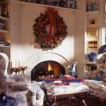 Home decor--go BIG or go home Christmas decorating