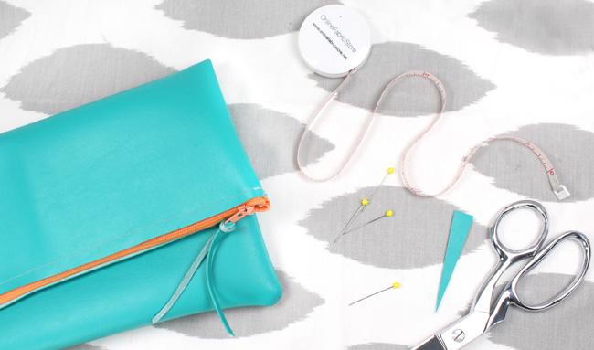Handmade Gift: Fold-Over Clutch (Video Tutorial) - OnlineFabricStore ...