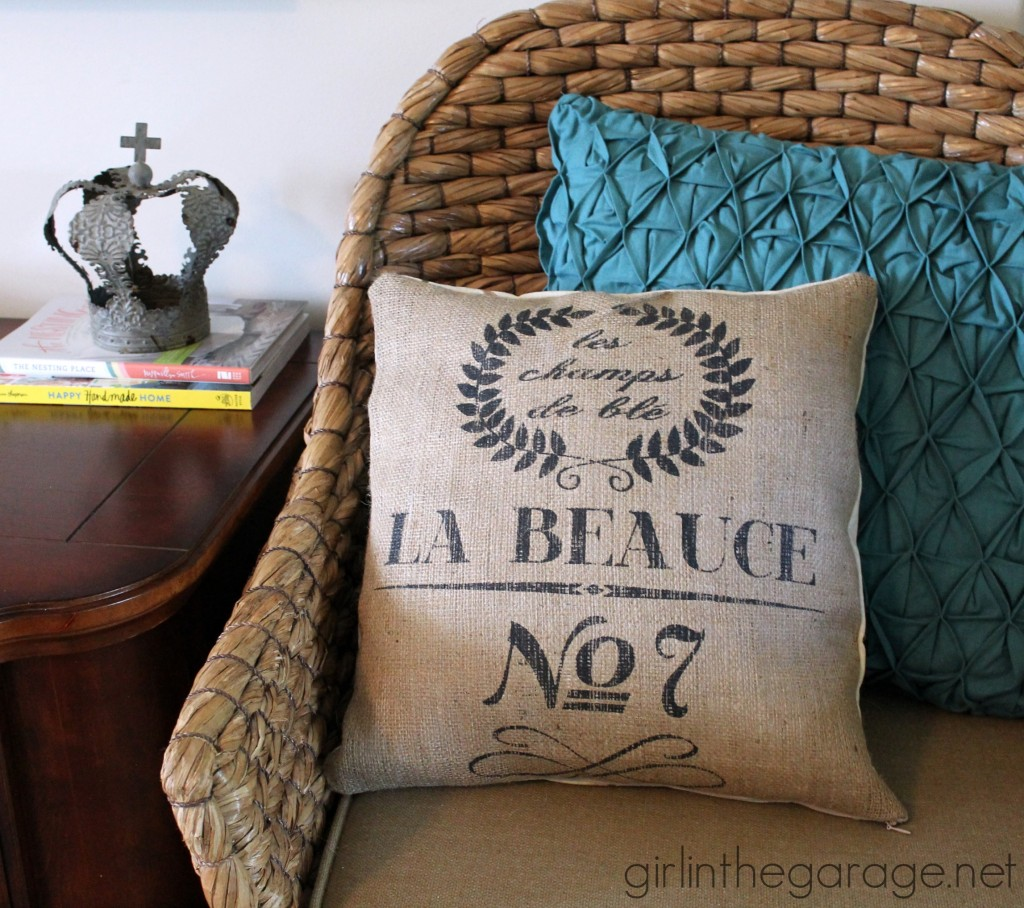 IMG_4020-french-burlap-sack-pillow-1024x908