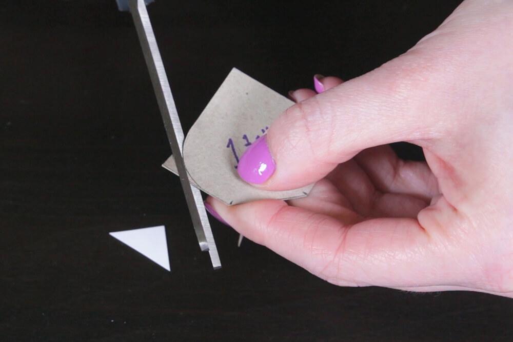 No Sew Felt Flower DIY Tutorial - Make petal templates