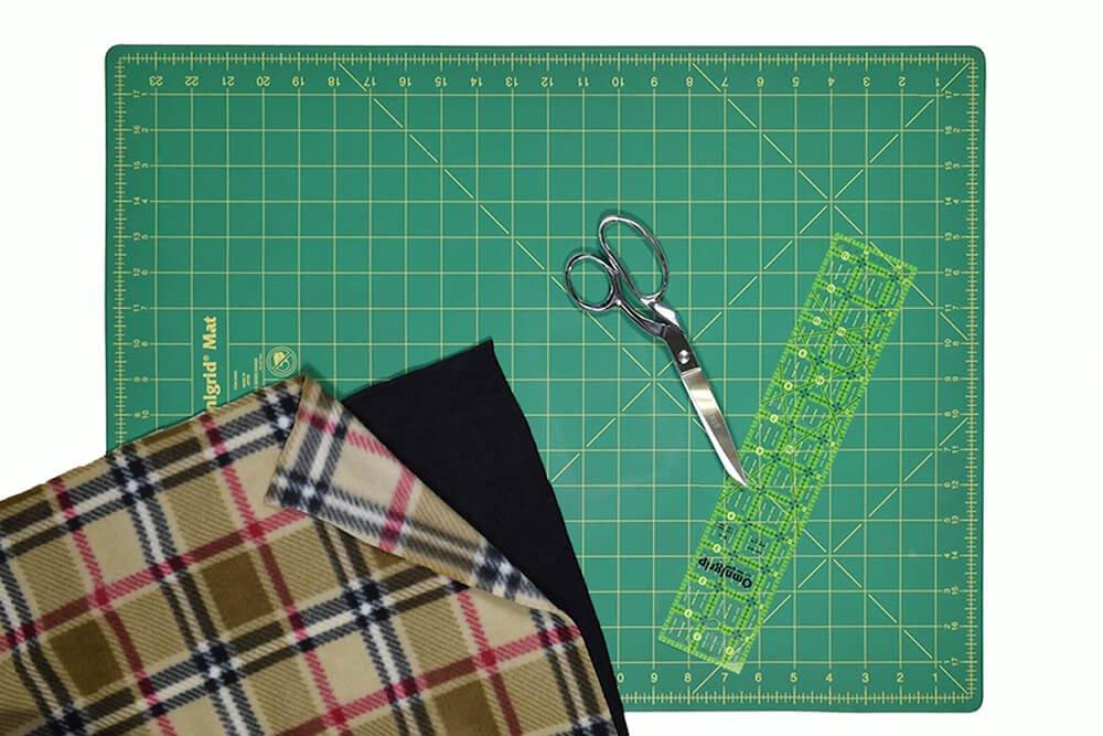 No Sew Fleece Blanket DIY Tutorial Materials