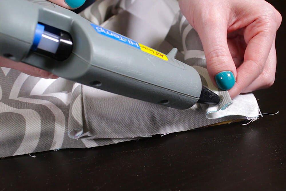 No Sew Valance - Put glue on corner of fabric