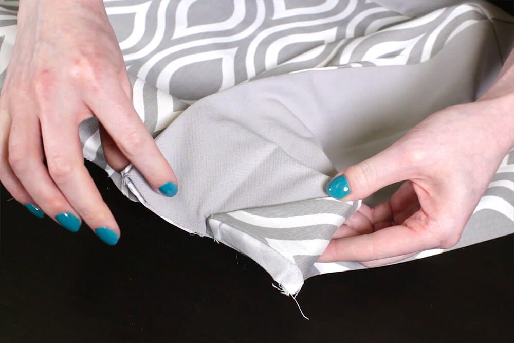 No Sew Valance - Grasp loose section of pleat