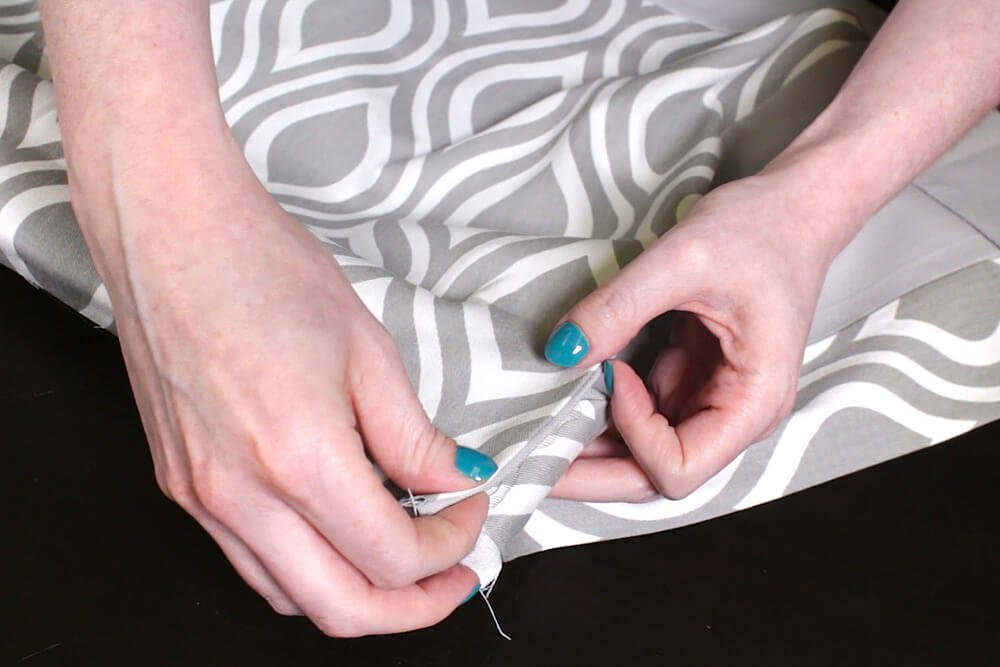 No Sew Valance - Secure the pleat