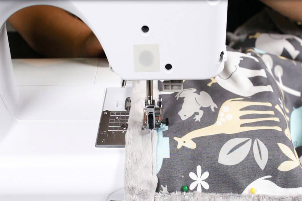 How to Sew an Easy Baby Blanket - Sewing the edges
