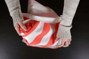 How To Make a Simple Tote Bag - Finishing's