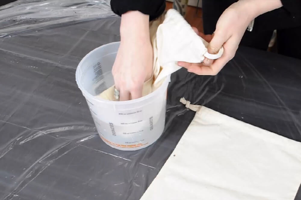 How to Dye Fabric (Immersion Dye Technique Tutorial) Step 1: Prepare your work space and fabric