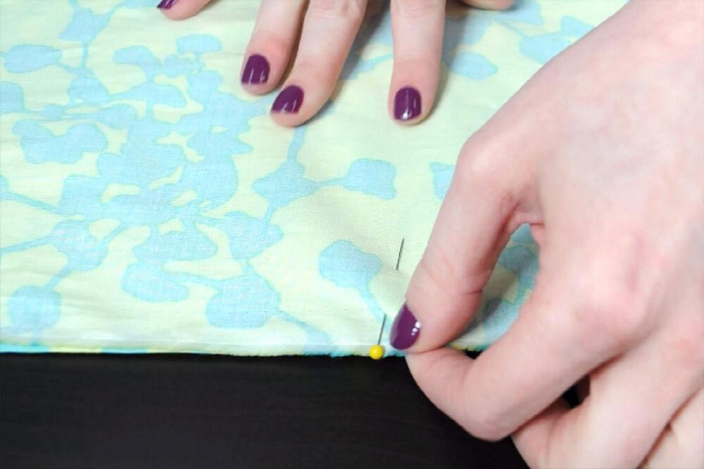 Infinity Scarf DIY Tutorial - Pin the fabric