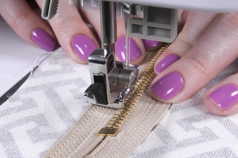 Box Cushion - Sew the zipper