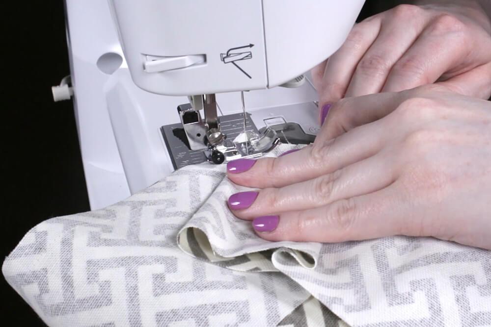 Box Cushion - Sew around the corners