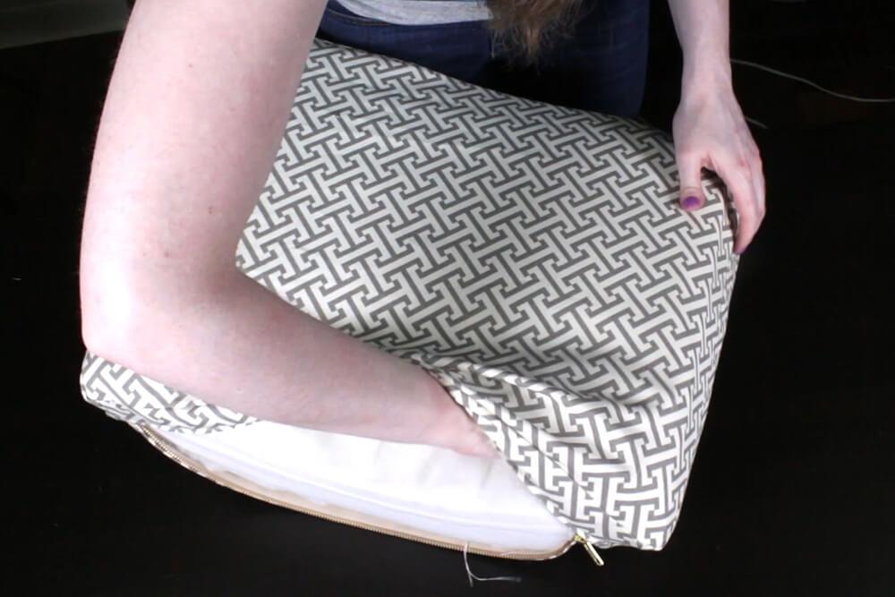 Box Cushion - Arrange foam in cushion cover