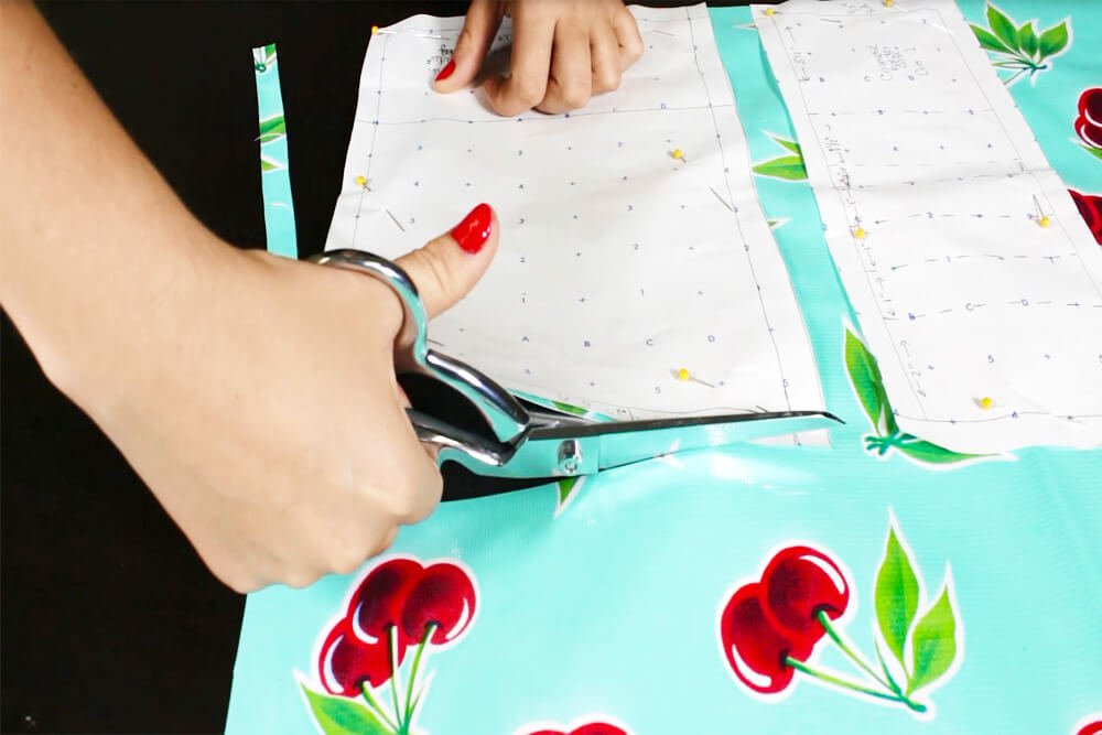 How to Make a Cosmetic Bag With Brush Holder - Pin and cut the patterns