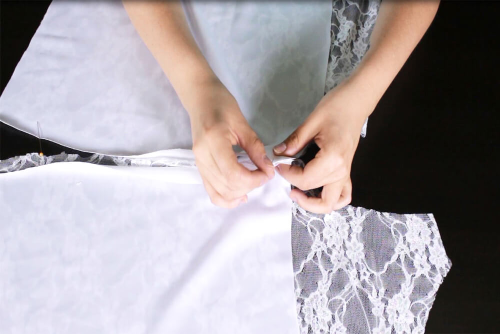 How To Make a Lace Blouse With a Lining - Sewing the lining to the blouse