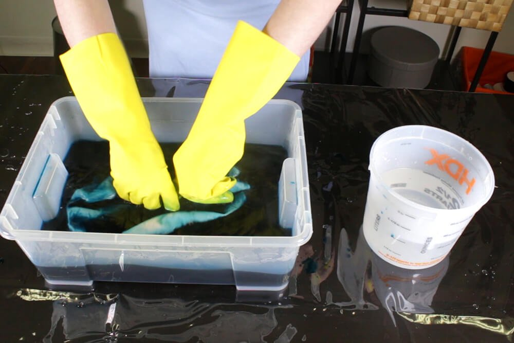 How To Dye Fabric Ombre Dip Dye Technique- Dye the fabric