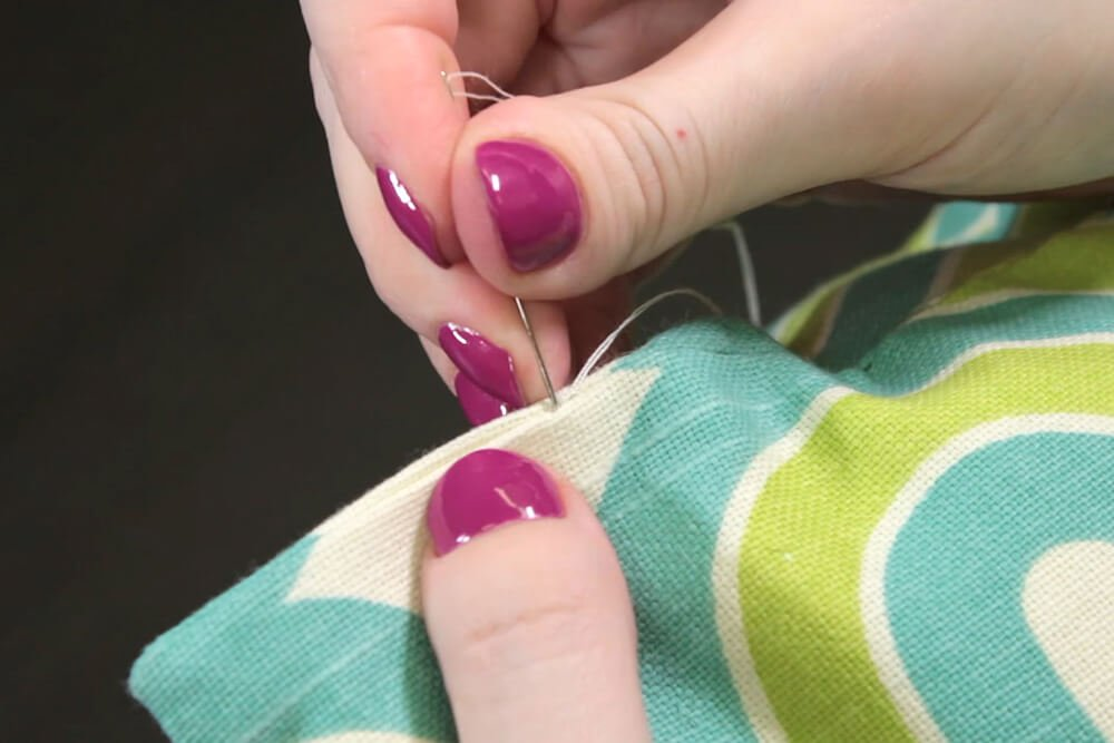 How to Sew an Invisible Stitch - Hiding the thread
