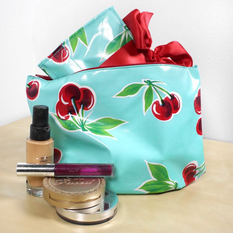 How To Make a Cosmetic Bag With Brush Holder