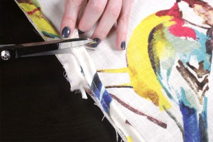 How to Sew an Envelope Pillow with Piping - Attaching the piping