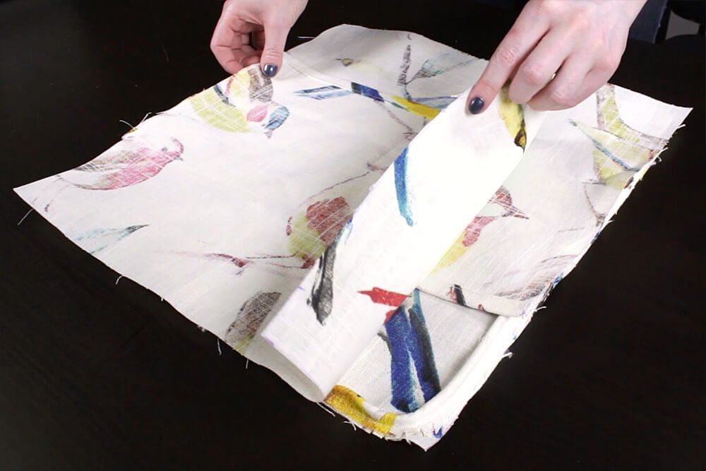How to Sew an Envelope Pillow with Piping - Sewing the pillow cover
