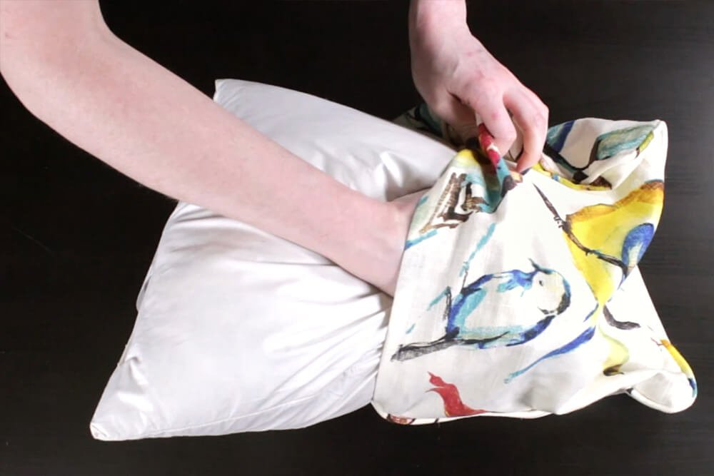 How to Sew an Envelope Pillow with Piping - Inserting the pillow form