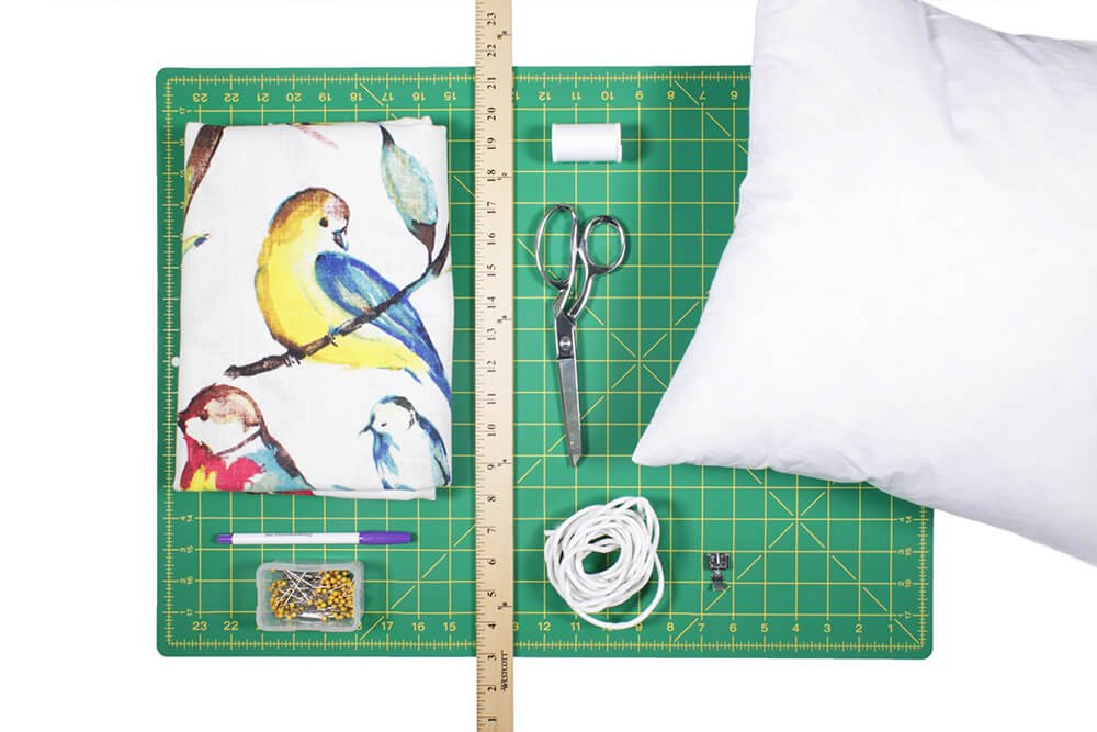 How to Sew an Envelope Pillow with Piping