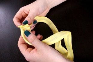 DIY Garden Apron Tutorial - Sewing the straps