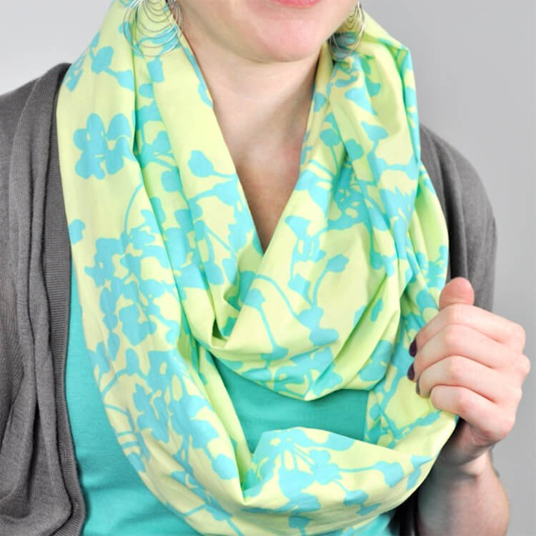 How to Make an Infinity Scarf