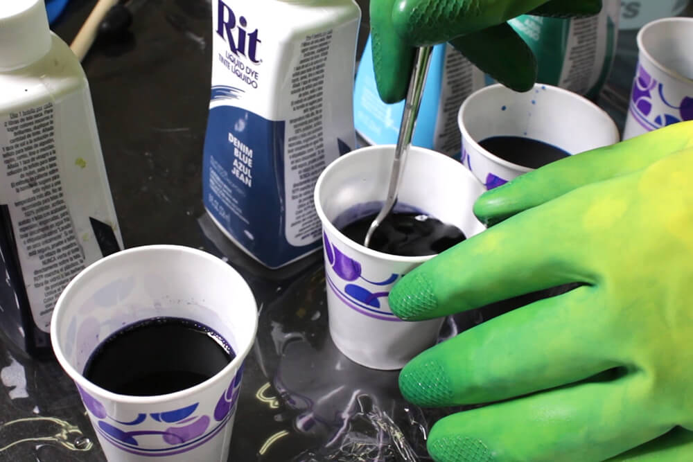How to Dye Fabric - Painting with Dye - Preparing the dye