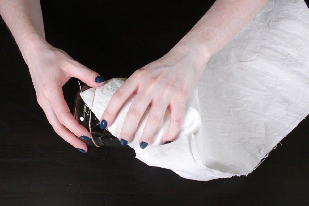 Shibori Pole Dyeing Technique - Rubber band the corner of the fabric
