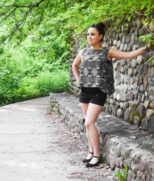 How to Make a Sleeveless Blouse with a Zipper