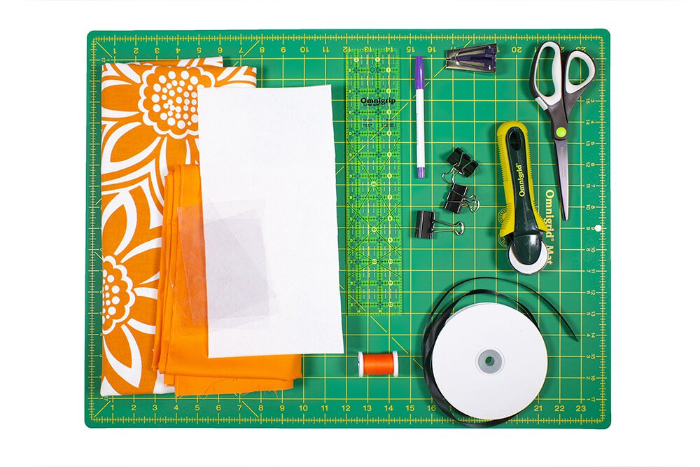 How to Make a Hanging Pocket Organizer Materials
