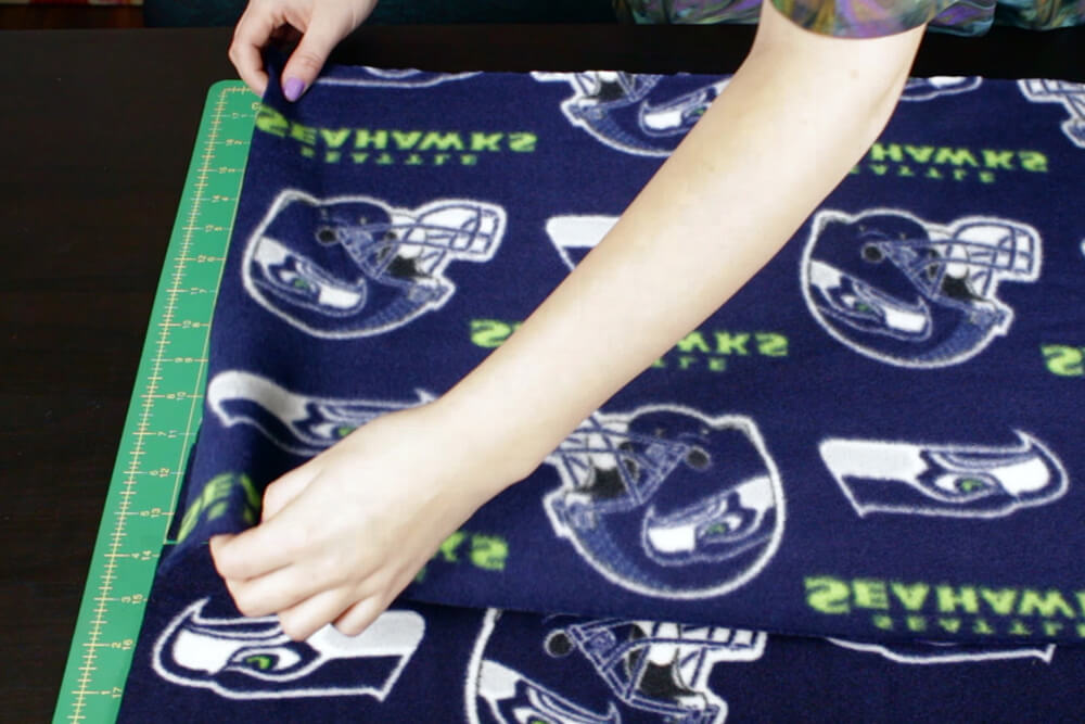 how to make a fleece scarf - Sew the sides