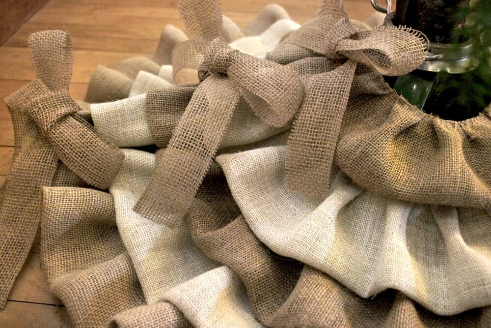 Burlap Tree Skirt - Bows