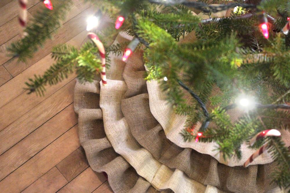 Burlap Tree Skirt - Detail