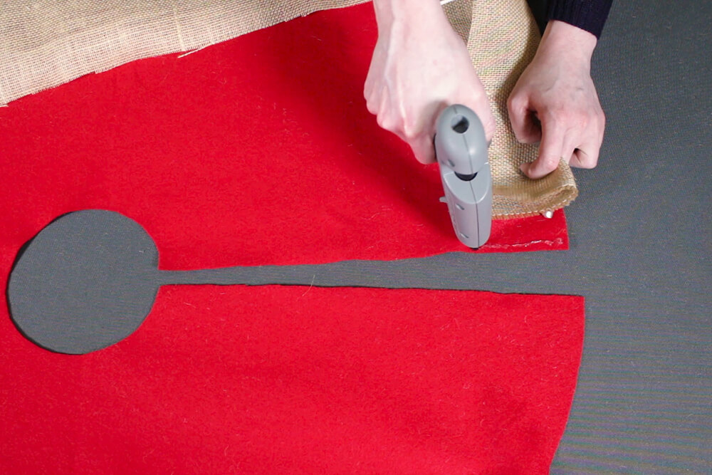 Burlap Tree Skirt - Glue the end of the burlap