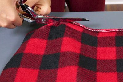 How to Make a Fleece Poncho - Cut the fleece