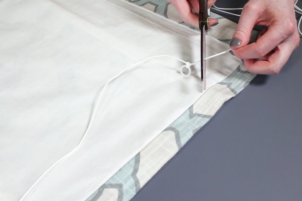 How to Make a Roman Shade - Thread the cord