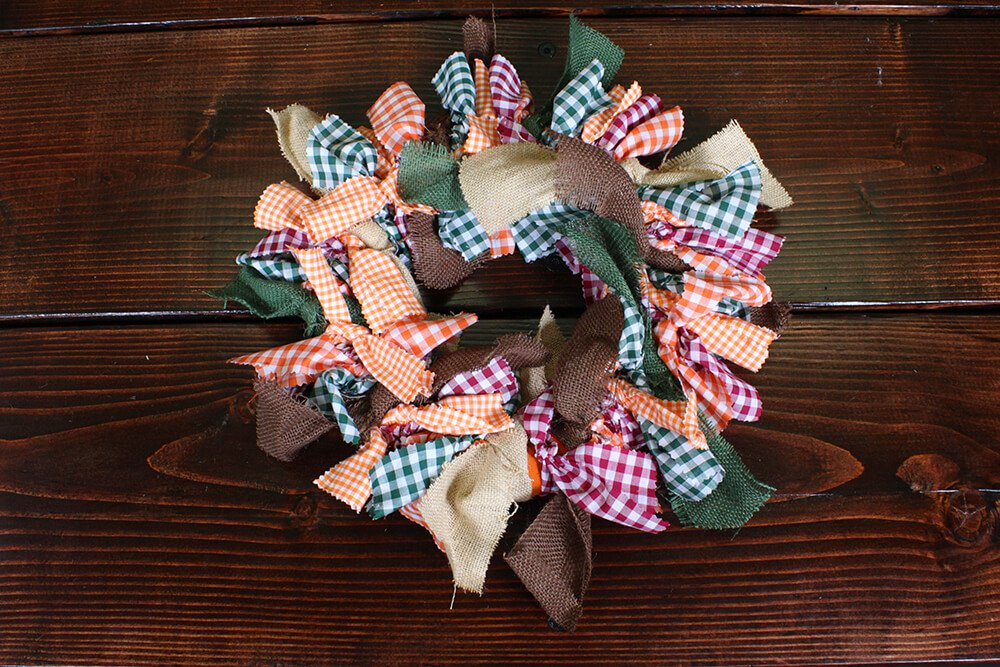 4 Easy Fall Table Decorations - Wreath
