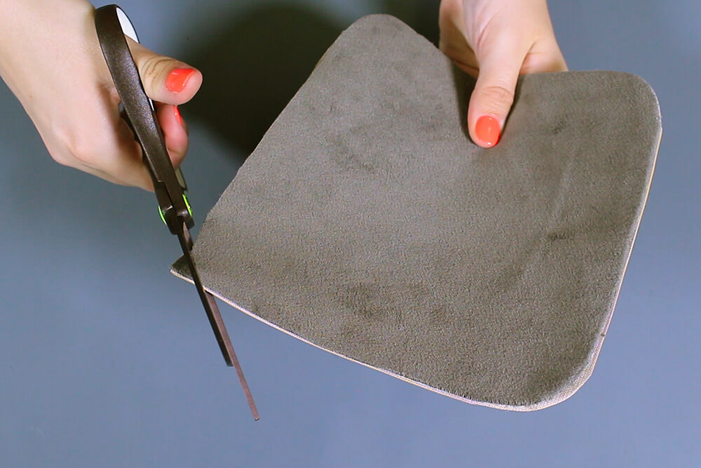How to Make an Eyeglass Case - Cut and stitch the case pieces