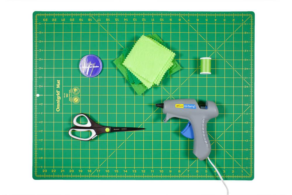 How to Make a Felt Shamrock - Materials
