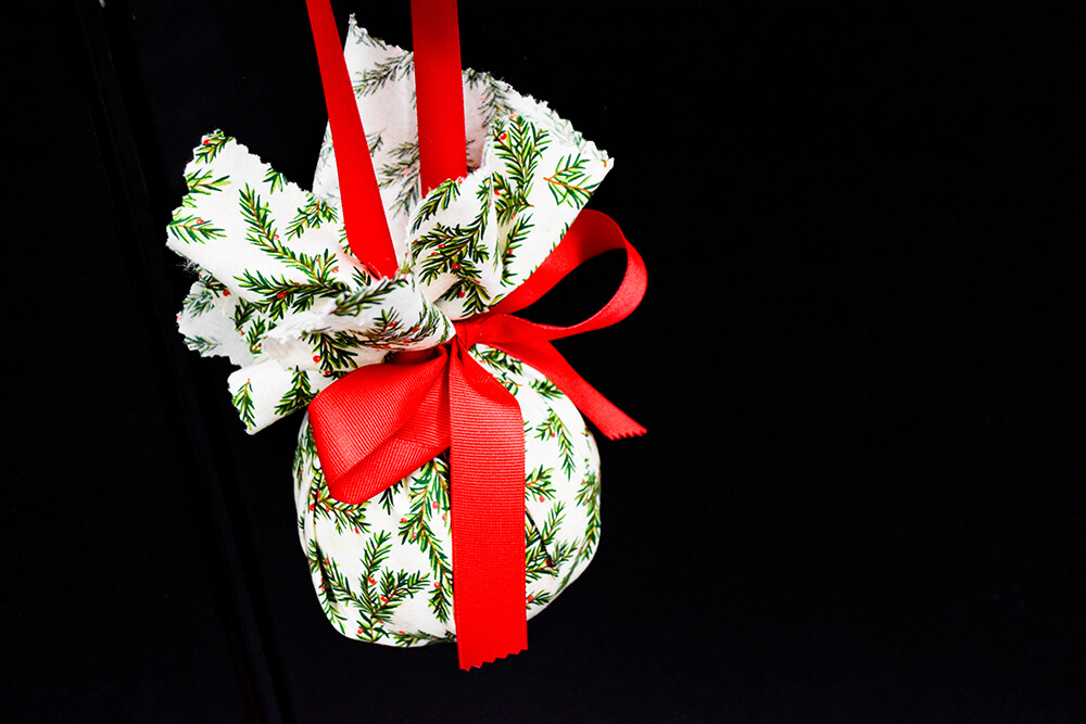 4 Easy Holiday Decorations - Fabric Ornament