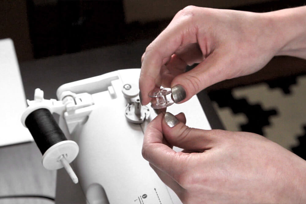 Sewing Machine Basics - Thread the bobbin