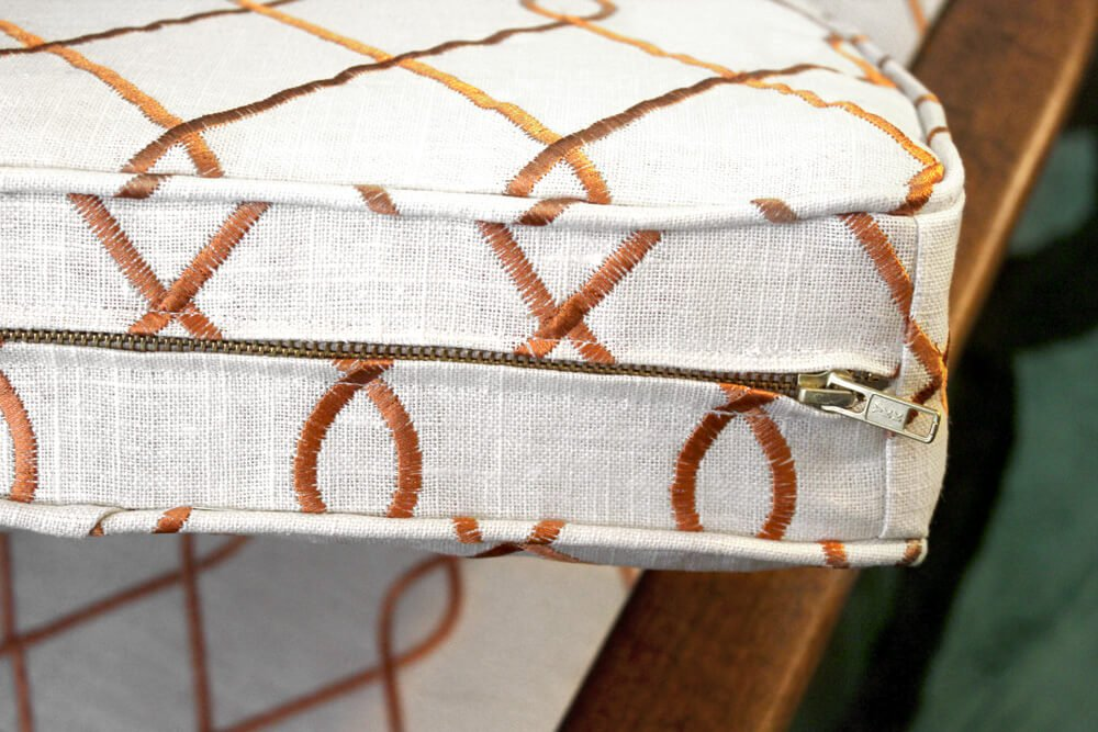 How to Sew an Upholstery Zipper - Finished