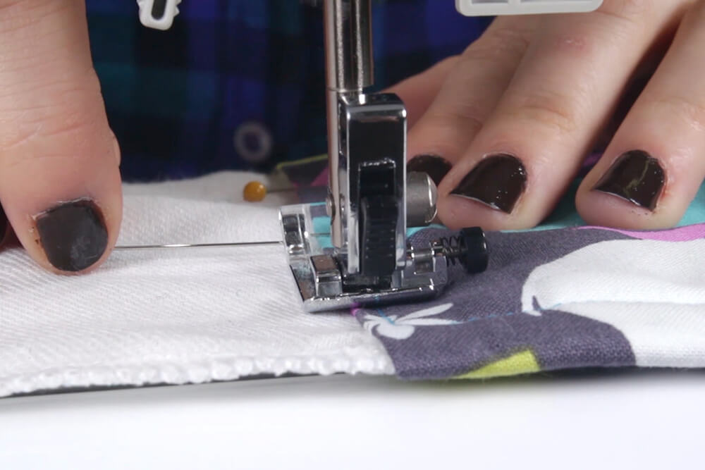 How to Make Burp Cloths - Pin and stitch the fabric