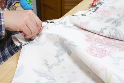 How to Make a Circle SkirtHow to Make a Circle Skirt - Cut and attach the waistband - Cut and attach the waistband