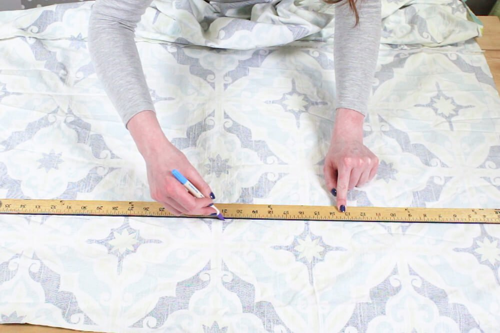 Duvet Cover - Draw a line to connect the marks