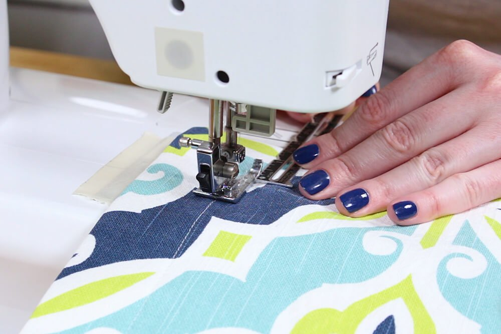 Flanged Pillow Sham - Stop 1.5 inches away from the corner
