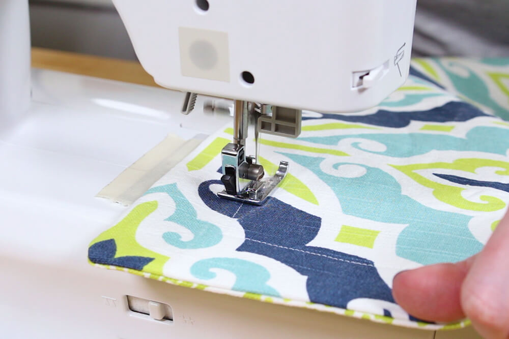 Flanged Pillow Sham - Pivot and continuing sewing