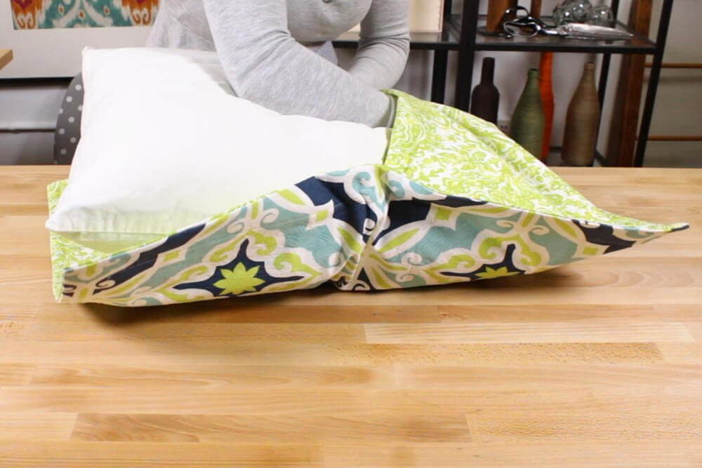 Flanged Pillow Sham - Insert one end of the pillow