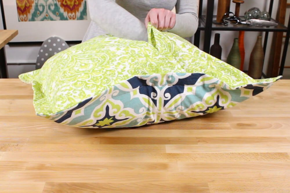 Flanged Pillow Sham - Insert the other end