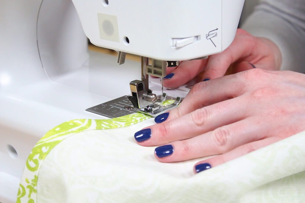Flanged Pillow Sham - Sew the ends of the back pieces